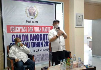 Buka Orientasi dan Ujian Masuk Calon Anggota PWI Riau, Zulmansyah: Jaga Marwah Wartawan