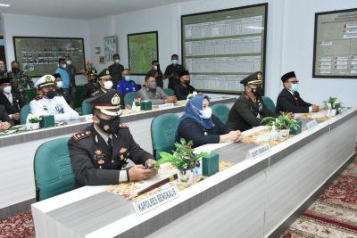 Bupati Kasmarni Ikuti Upacara HUT TNI ke-76 Secara Virtual