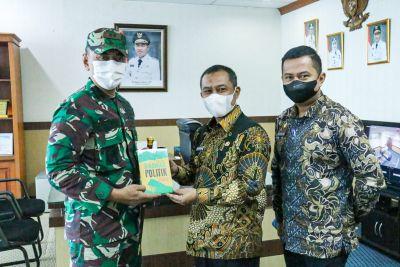 Dandim 0303 Bengkalis Letkol Inf Endik Yunia Memperkenalkan Diri (Kulonuwun) ke Wabup Bagus Santoso