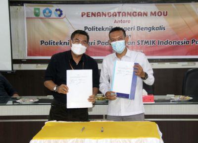 Polbeng Melakukan Penandatanganan MoU dengan Kampus PNP dan STEMIK Indonesia