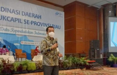 Kadis Ismail Jadi Narasumber Rakorda BPS Disdukcapil se-Riau